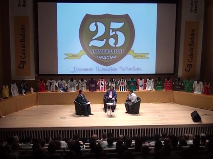 Pepe Vela celebra sus 25 años haciendo prensa deportiva extremeña