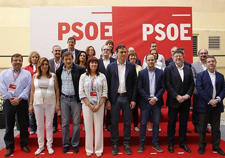 Sánchez y los barones socialistas se sentarán mañana para hablar de pactos