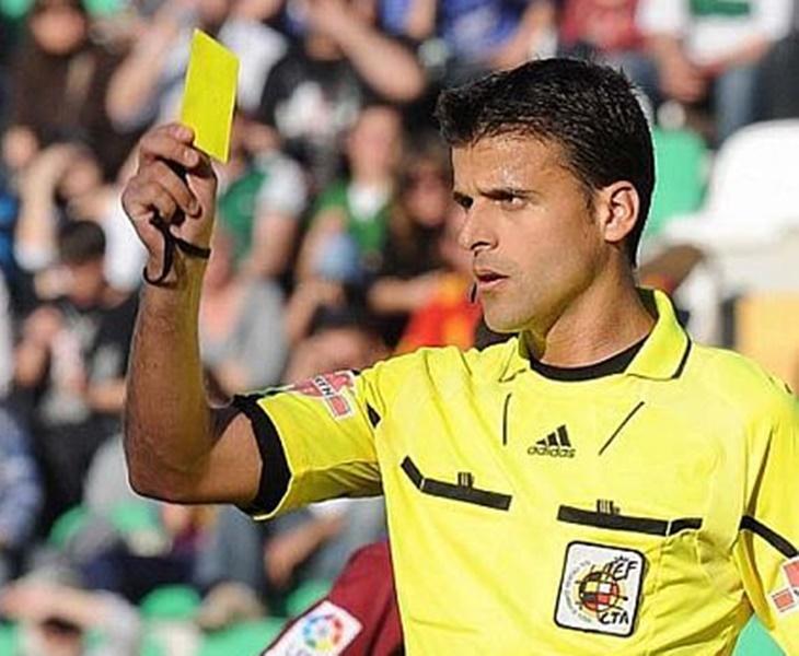 Don Benito reconoce a su árbitro más internacional