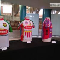 Una exposición conmemora los 40 años de la Escuela de Ciclismo de Mérida
