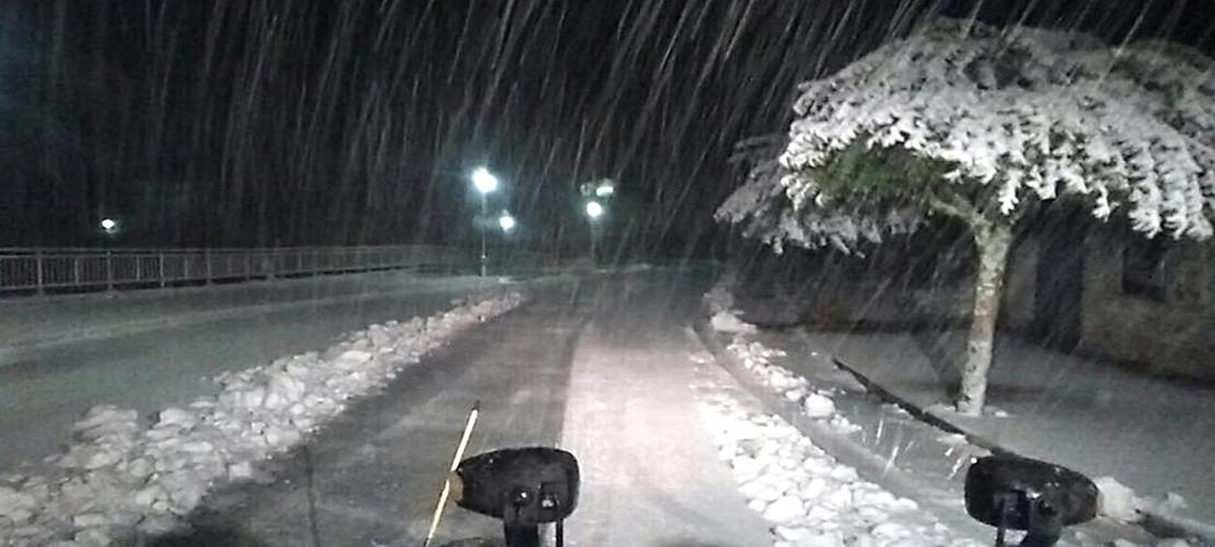 Piornal (Cáceres) amanece bajo 30 centímetros de nieve