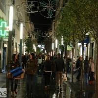 A pesar de la lluvia Badajoz sale a la calle para vivir el Black Friday