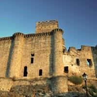 Herido al caerse desde una altura del castillo de Belvís de Monroy