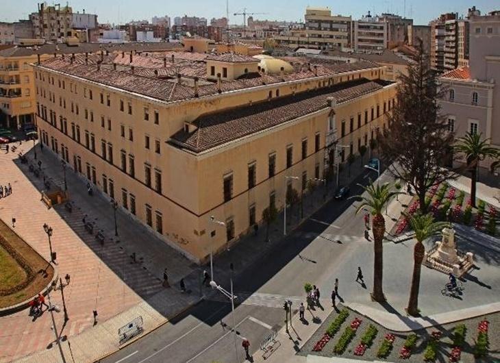 Diputación inicia el estudio de los 8 proyectos para rehabilitar el Provincial