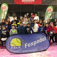 140 parejas participan en el 1º torneo del Circuito Extremeño de Menores de pádel