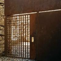 """Solicitan la apertura de una puerta de la Alcazaba para evitar """"un rodeo absurdo"""""""