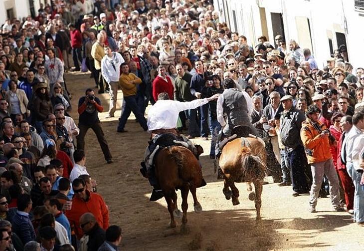 Fallece la mujer que cayó del caballo en Arroyo de la Luz