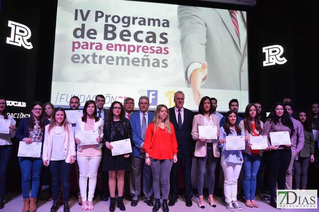 Comienza la IV convocatoria de las becas Caja Badajoz y UEx
