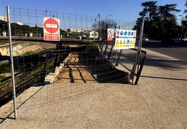 PSOE celebra las últimas obras en los parques del Rivillas y Calamón