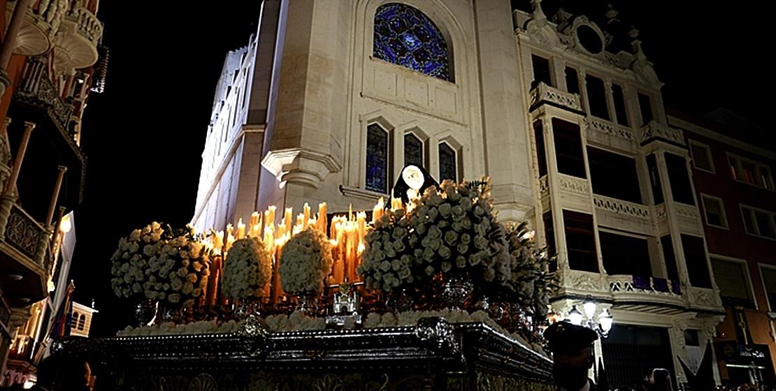 Vídeo de la Soledad de Luto en el Viernes Santo de Badajoz