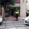 Empotra su vehículo contra un supermercado en Badajoz