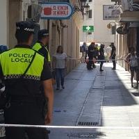 Un hombre se precipita de un segundo piso en Badajoz