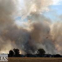 Importante incendio afecta a San Isidro (Badajoz)