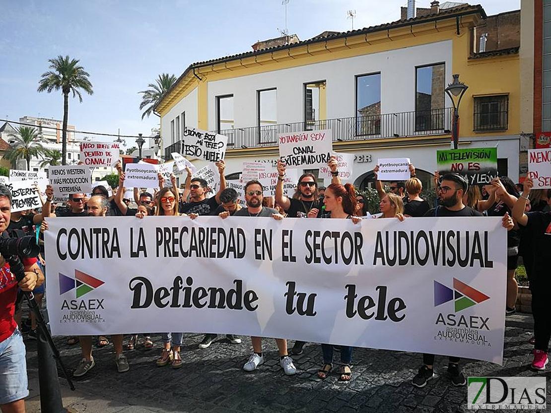 Las promesas incumplidas de Canal Extremadura desatan una manifestación del sector