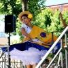 Los grupos de Folclore invitan a los ciudadanos a bailar con ellos en San Francisco