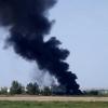 Salen ardiendo varios vehículos tras un incendio de pastos