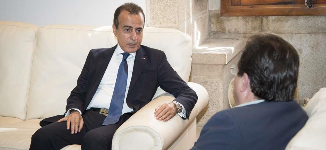 Vara recibe al embajador de Qatar para estrechar lazos comerciales