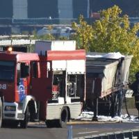 Se incendia un camión mientras circulaba por la A5 en Calamonte (Badajoz)