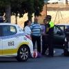 Accidente de tráfico en una de las rotondas del Puente de la Autonomía