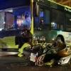 Grave accidente entre un autobús urbano y una moto en Badajoz