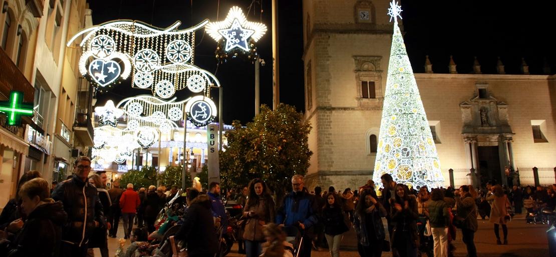 Gran ambiente en la inauguración del alumbrado navideño en Badajoz