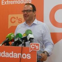 """Polo: """"Extremadura tiene este tren por incompetencia de PSOE y PP"""""""