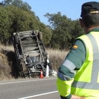 Salva su vida de milagro en la carretera Cáceres-Badajoz