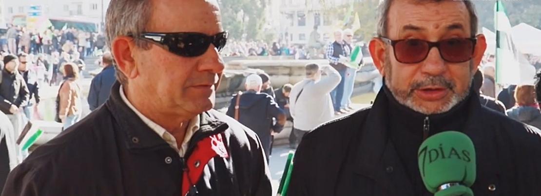 Miles de extremeños van llenando la plaza de España por un #TRENDIGNOYA