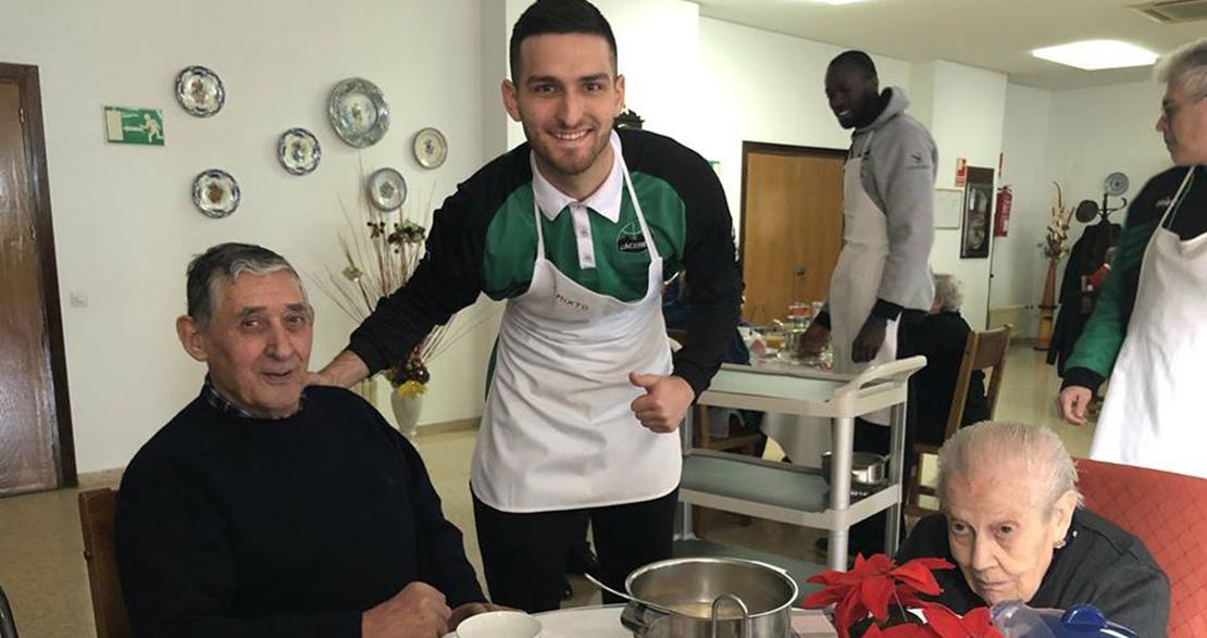 El Cáceres Basket muestra su lado más solidario
