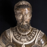 Carlos V se salva de la subasta en Madrid