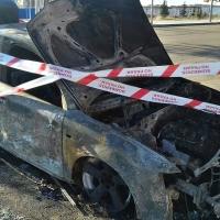Aparece otro coche calcinado en un barrio de Badajoz