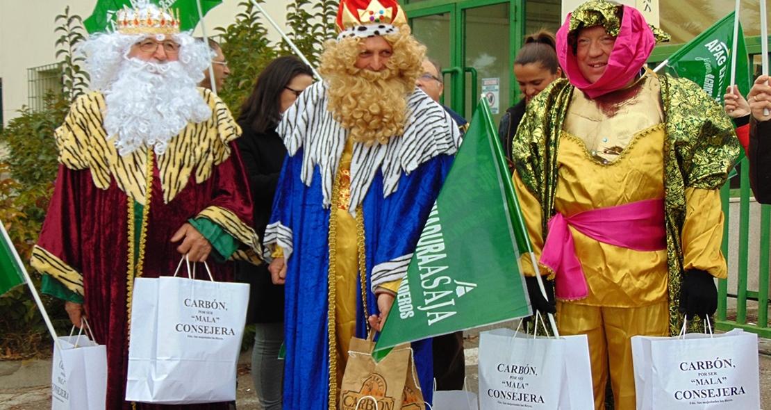 Los Reyes Magos llevan carbón a la consejera de Agricultura