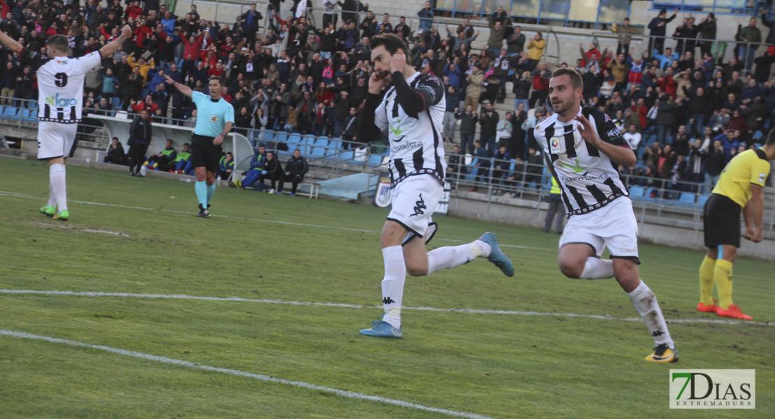 Imágenes del CD. Badajoz 3 - 0 Écija Balompié