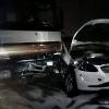 La fortaleza del vehículo evitó que muriesen en el acto
