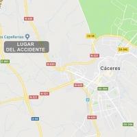 Un joven herido grave en un accidente coche-moto en Cáceres