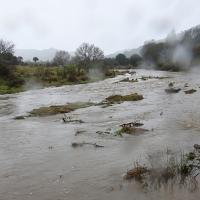 El Zújar se desborda y corta una carretera en la provincia de Badajoz