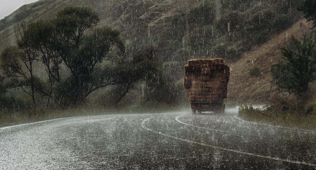 Aumenta el riesgo en todas las carreteras de Cáceres por la lluvia