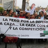 """Miles de personas reclaman en Mérida """"más respeto y apoyo"""" para la Caza"""