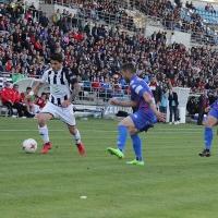 El CD. Badajoz gana el derbi de la necesidad