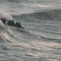 Rescatan a ocho personas tras peligrar la embarcación en la que viajaban