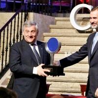 El Rey entrega el premio Carlos V a Tajani