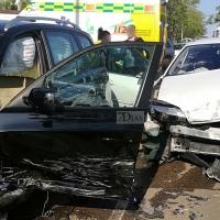 Importante colisión entre dos automóviles en Badajoz