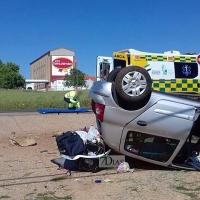 Accidente y posterior vuelco en la carretera de Sevilla