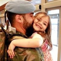 Emotivas imágenes de la llegada de los últimos soldados extremeños procedentes del Líbano