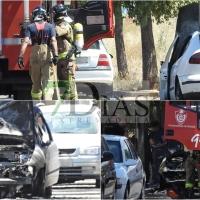 Otro vehículo que sale ardiendo en las calles de Badajoz