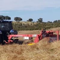 La Junta recomienda dejar de trabajar con máquinas agrícolas si no hay humedad