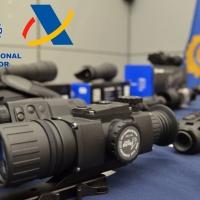 Tres detenidos por traficar con visores para armas de guerra desde Badajoz