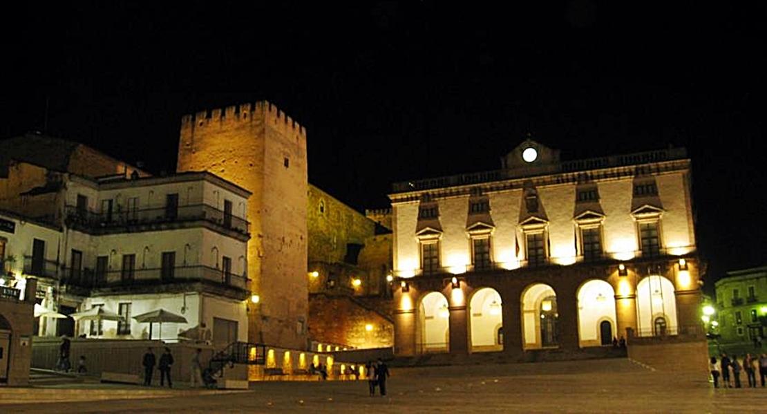 Grandes éxitos musicales de películas en la Plaza Mayor de Cáceres