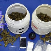 Gracias a una llamada al 091, la Policía detiene a un joven mientras envasaba droga