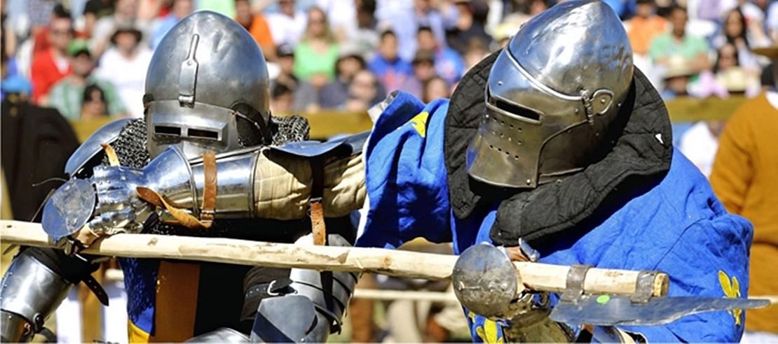 Espectáculo de lucha medieval en la alcazaba de Badajoz